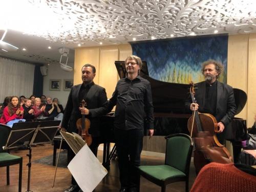2020.01.18. Beethoven összes zongoratriója 3. Kállai Ernő (hegedű), Varga István (cselló), CsalogGábor (zongora)
